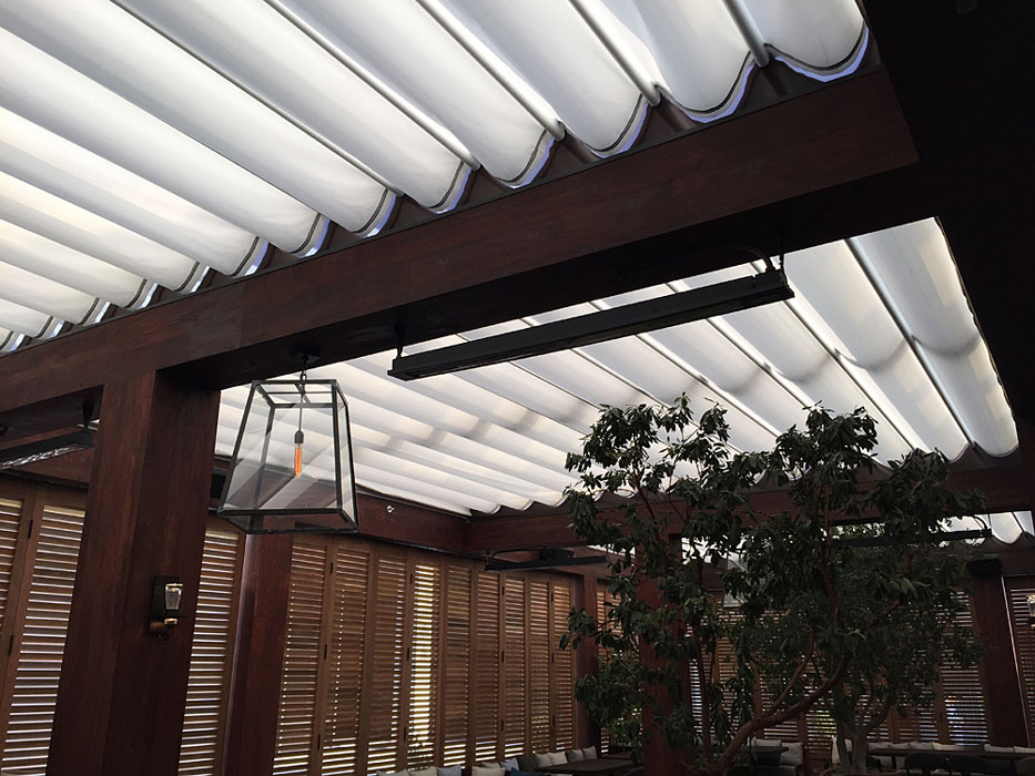 5 Main Types of Retractable Structures & Awnings